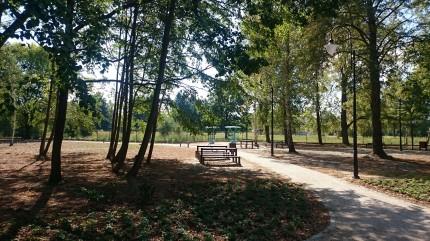 Park ul.  Ogrodowa Józefosław 3