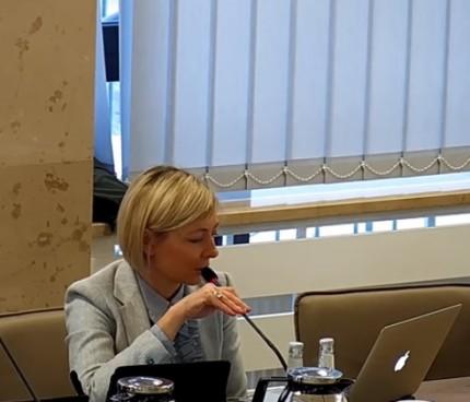 Radna Katarzyna Krzyszkowska-Sut fot. IV Sesja Rady Miejskiej w Piasecznie YT