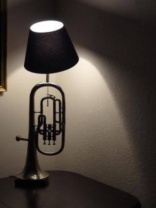 LAMPKI Z TRĄBEK dla muzyka i nietylko - lampka.jpg