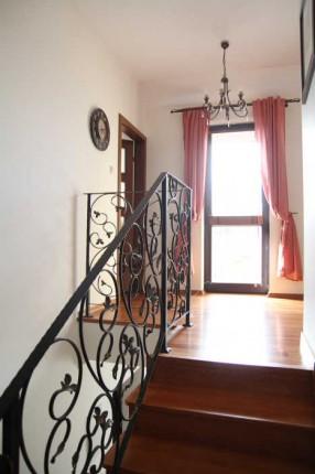Sprzedam bardzo łądne mieszkanie 120m2 z balkonem i tarasem (2u poziomowe) - 2058.JPG