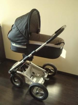sprzedam wózek głęboko-spacerowy+leżaczek - P030411_16.510001.JPG