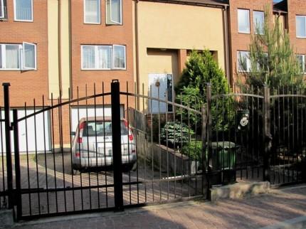 Sprzedam dom w zabudowie szeregowej Józefosław - 1.JPG