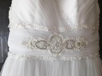 sprzedam suknię  ślubną - 6373504560_6.jpg