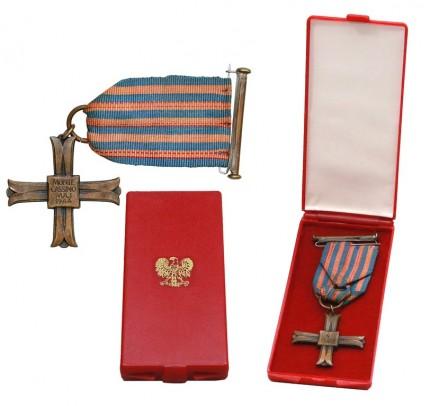 kupie wojskowe stare odznaczenia,odznaki,medale - 2137_65nnuwt0nulv_1.jpg