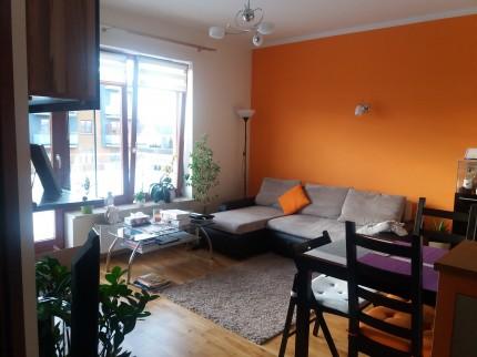 wynajmę bezpośrrednio mieszkanie w Józefosławiu,43m2,garaż podziemny,komórka - pokoj tenisowa.jpg