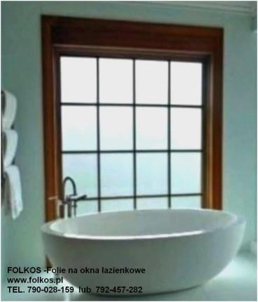 Folie na okna łazienkowe -balkony, witryny, drzwi i okna Józefosław - Łazienka 5  Folkos.jpg